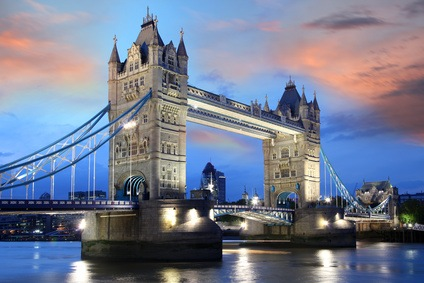 Tower Bridge London am Abend